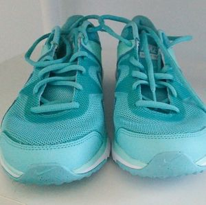 Nike Shoes - Women's Nike Sculpt TR shoes (never worn)